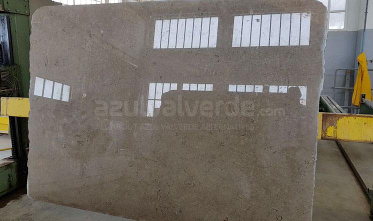 new-valverde-limestone-slabs